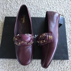 Chanel 17A braided chain loafers burgundy 38 NWT